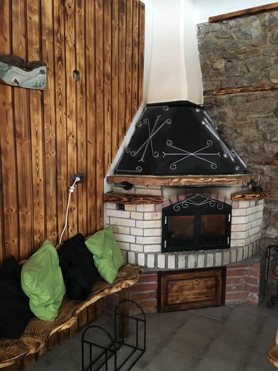Обгорени Дървени ламперии по поръчка за интериор