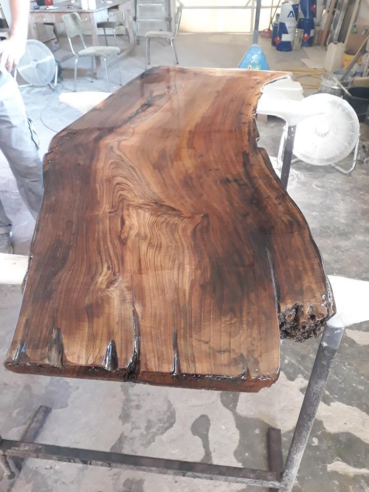 Дървен плот за остров маса