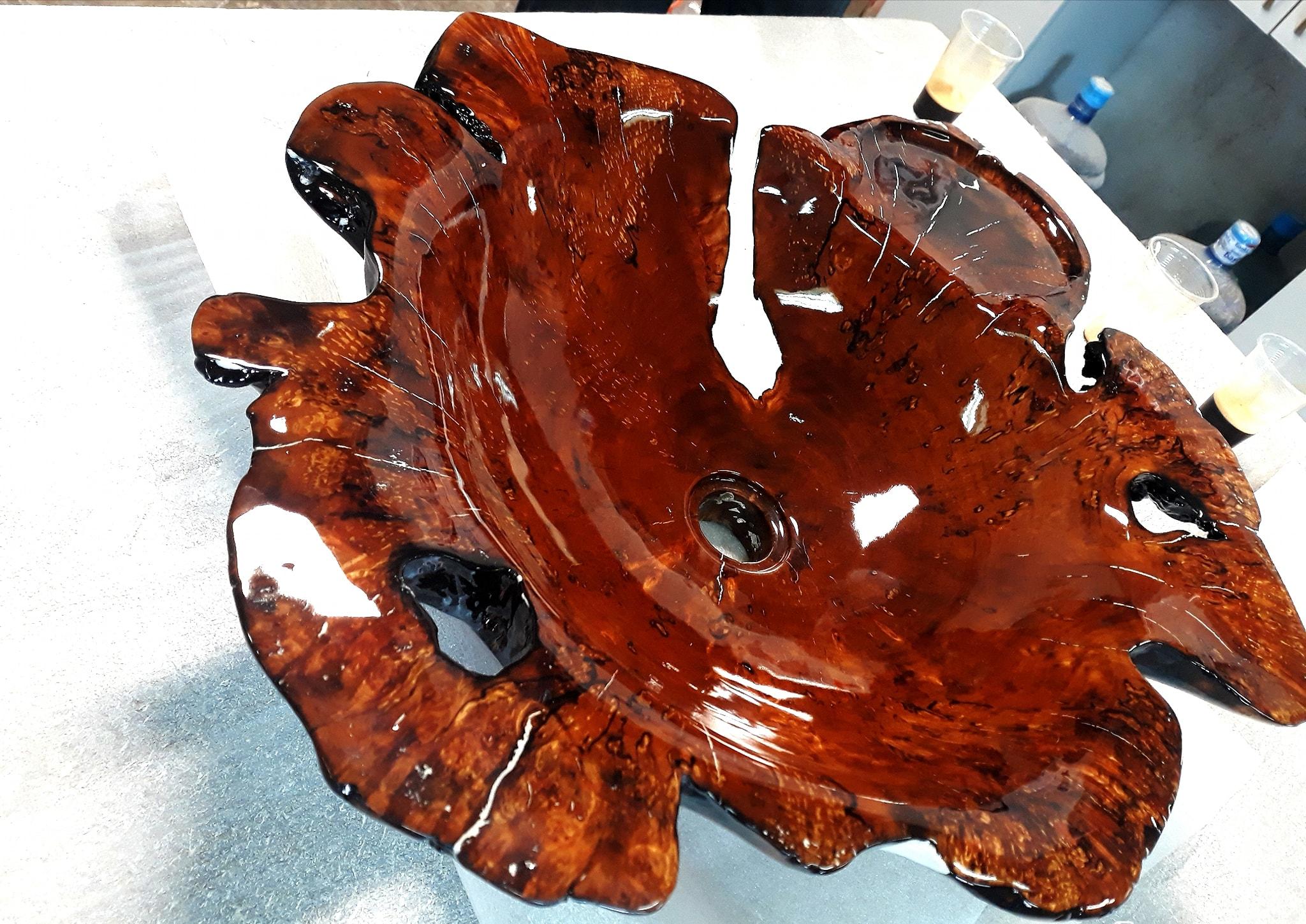 Дизайнерска мивка от дърво