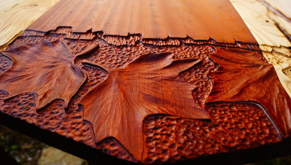Дърворезба масивна маса
